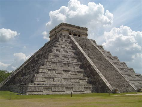 PRINCIPALES MONUMENTOS DE LA CULTURA MAYA - Joya Life