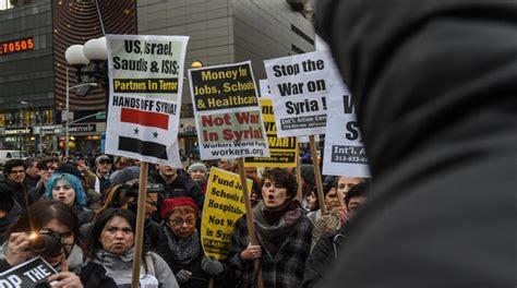 Protestas contra el bombardeo de EE.UU. en Siria ...