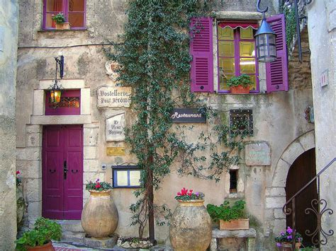 Provence shutters | Provence inn & restaurant in La Turbie ...