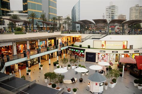Proyecto Centro Comercial Larcomar, Lima PERÚ