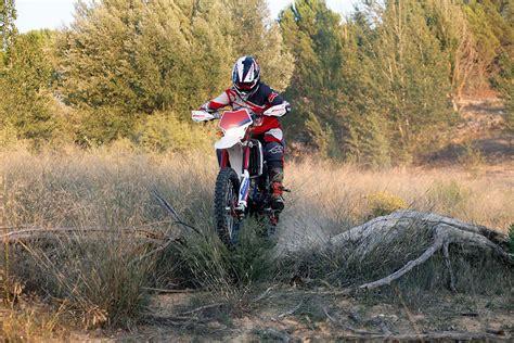 Prueba Fantic TZ 250 CASA: Cordero con piel de lobo | Moto1Pro
