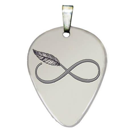 púa de guitarra con infinito y pluma