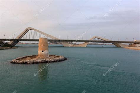 Puente de Sheikh zayed de abu dhabi — Fotos de Stock ...