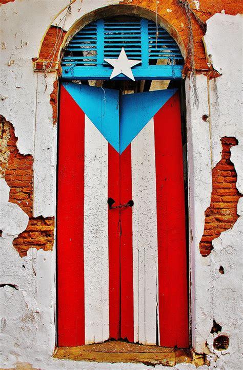Puerta-Bandera | Angel Xavier Viera-Vargas | Flickr
