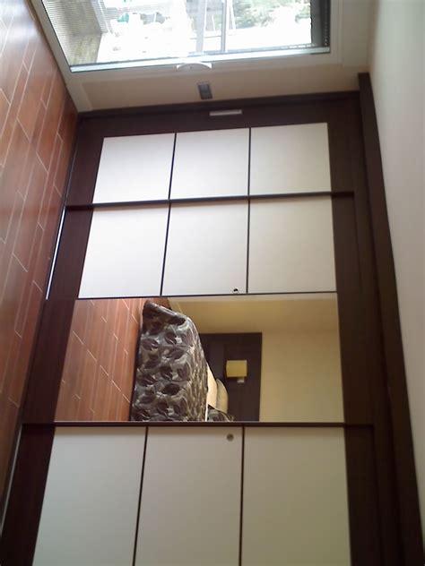 Puerta corredera estilo Zen en dormitorio ...