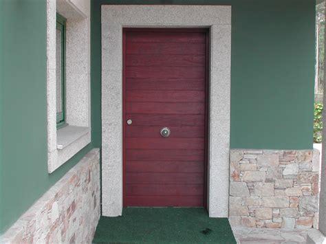 Puerta de entrada madera Ipe | Puertas Coruña | Vetta Grupo