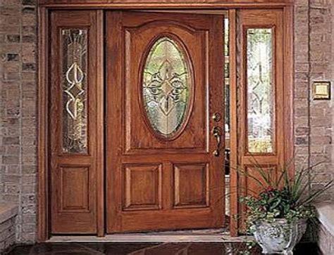 Puertas de entrada de madera y cristal