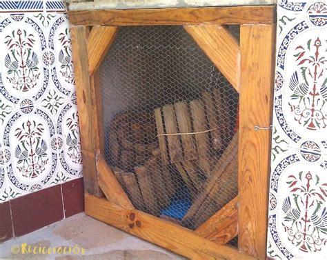 Puertas pequeñas con listones de madera de palet