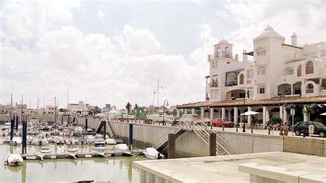 Puerto Gelves entra en concurso de acreedores al adeudar ...