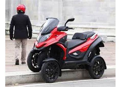 Quadro 4: scooter a quattro ruote o cabrio per piegare col ...