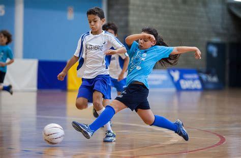 Qué es el fútbol sala: reglas, pases, recepción, y más