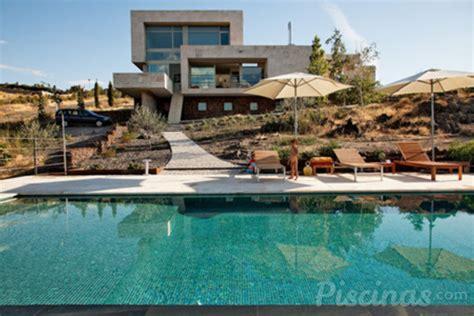 ¿Qué forma debe tener la piscina de tu cliente? - Piscinas.com
