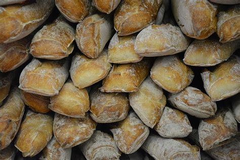 Qué nutrientes y vitaminas contiene el pan