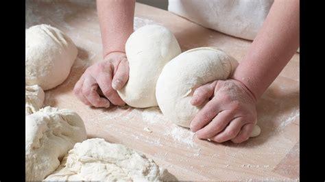 ¿Qué significa soñar con amasar pan?   Sueño Significado ...