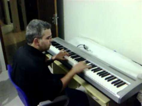 ¿Que teclado  electrico  suena similar al piano acustico ...