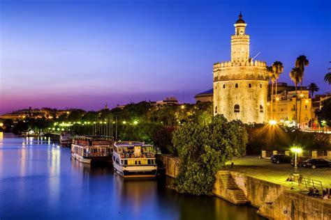 Qué ver en Sevilla, la ciudad con color especial ...
