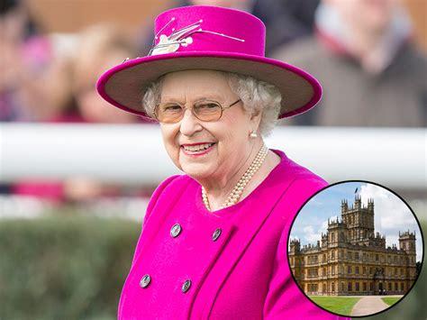 Queen Elizabeth Is a Downton Abbey Superfan!