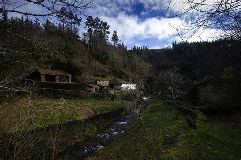 ¿Querés vivir en Europa? En España venden casas muy ...