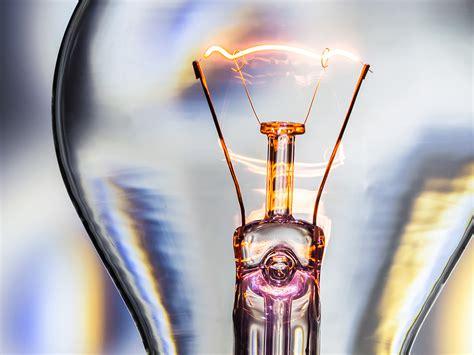 ¿Quién fue el verdadero inventor de la bombilla?   Newpatent