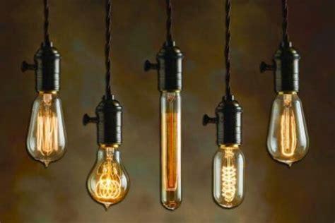 Quién inventó la bombilla   Inventor, historia, origen y ...