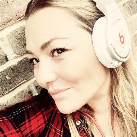 ¿Quieres escuchar el nuevo disco de Amaia Montero ...