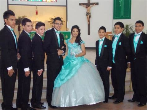 Quinceanera Chambelanes Tuxedos With Blue