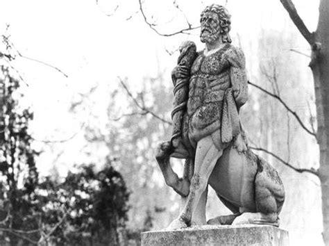 Quirón, el más famoso y sabio de los centauros