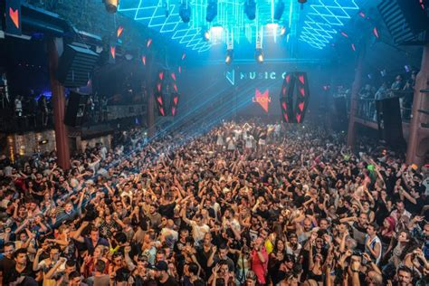 RA: Music On at Amnesia, Ibiza (2015)