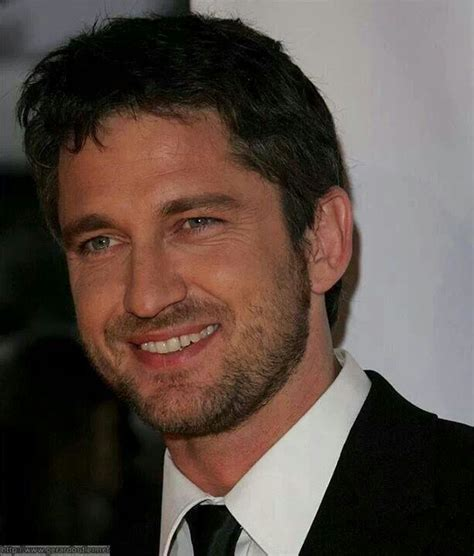 Radiant smile, Gerard Butler, male actor, beard, celeb ...