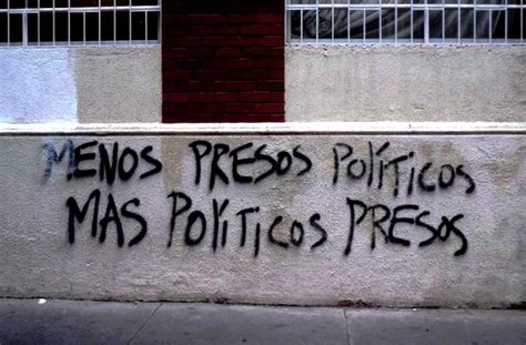 RAFAEL CORREA: Menos presos politicos, mas Politicos presos