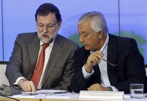 Rajoy admite que desatendió al partido y rellena la ...