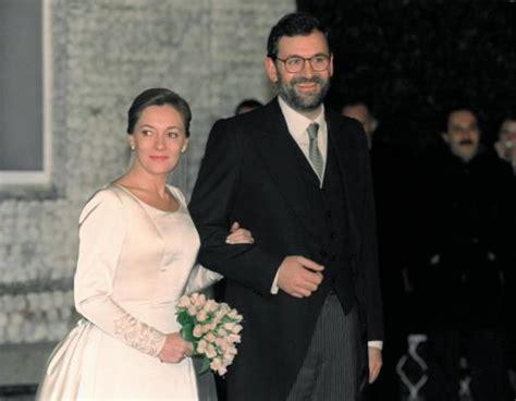 Rajoy bromea con su aniversario de boda: «De momento no he ...