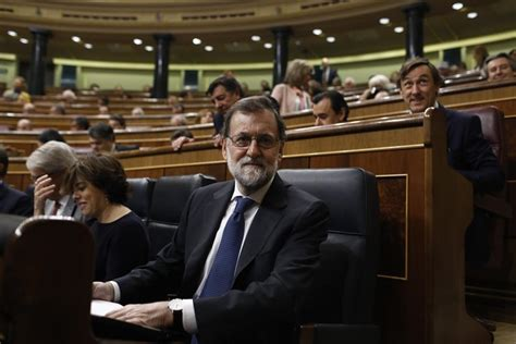 Rajoy ofrece una subida del salario mínimo del 4% para ...