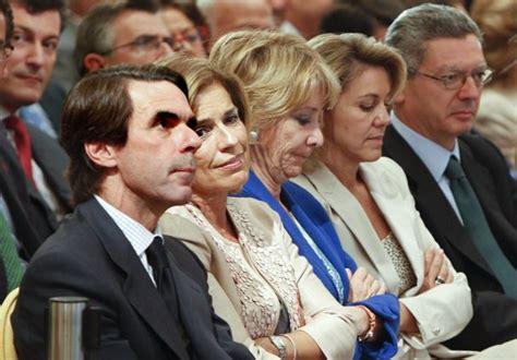 Rajoy presenta sus memorias arropado por su familia ...