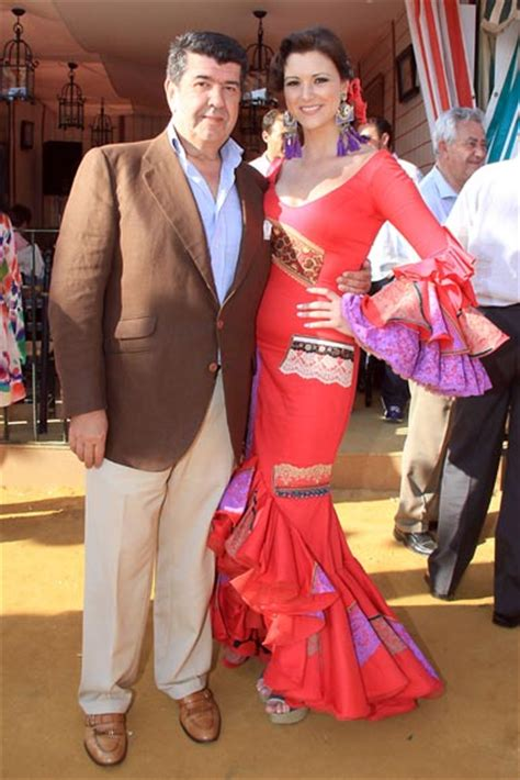 Raquel Jiménez, novia de David Bisbal, y Lourdes Montes ...
