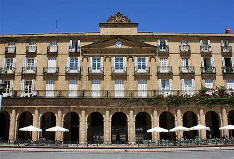 Real Academia de la Lengua Vasca, en la Plaza Nueva de Bilbao