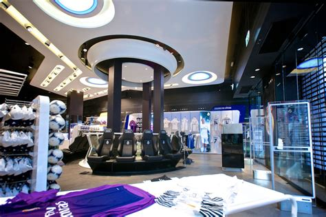 Real Madrid Official Club Store - e-architect