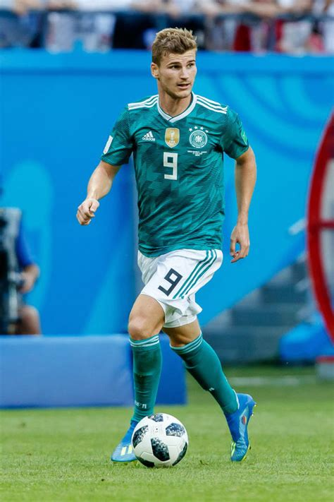 Real Madrid transfer news LIVE: Robert Lewandowski stand ...