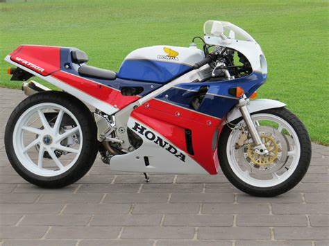 Really Cool 1989 Honda RC30 available in Australia - Rare ...