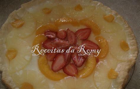 Receitas da Romy: Tarte de frutas e creme de leite condensado