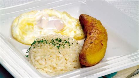 Receta de Arroz a la cubana con plátano y huevo frito ...