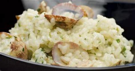Receta de Arroz con almejas en salsa verde - Karlos Arguiñano