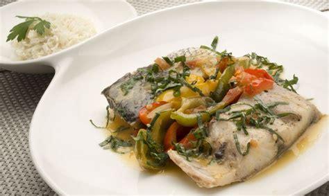 Receta de Corvina en salsa con arroz blanco - Karlos Arguiñano