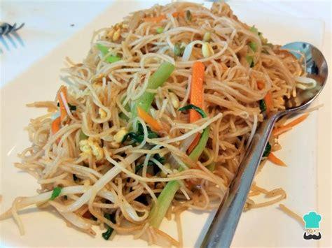 Receta de Fideos chinos con verduras y soja - Fácil