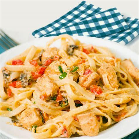 Receta de tallarines con pollo y verduras - Divina Cocina