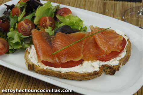 Receta de tosta de salmón ahumado en aceite (cena rápida)