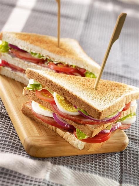 Recette club sandwich bacon - Cuisine / Madame Figaro