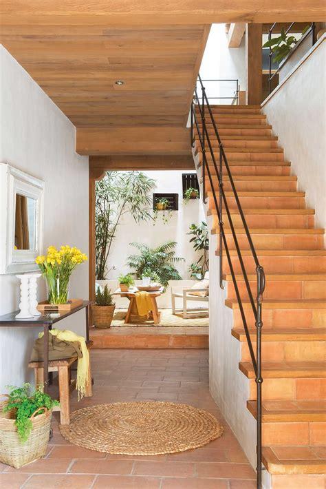 Recibidor Con Vistas Al Patio Ideas Modelos Escaleras De ...