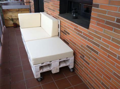 Reciclado de palets para convertirlos en sofás. www ...