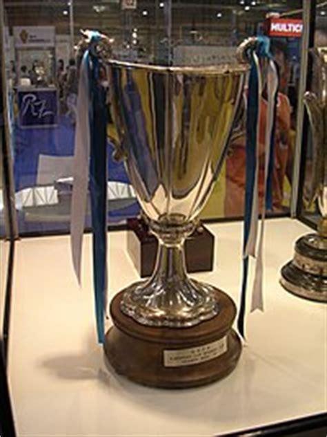 Recopa de Europa de la UEFA   Wikipedia, la enciclopedia libre